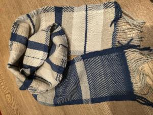 Grażyna Fremi Hamilton, Blue Scarf II, alpaca and hand spun wool, 18x175cm, £35